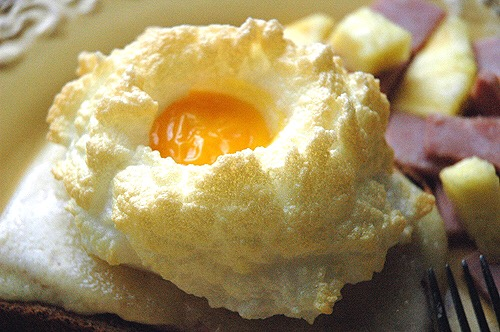 Cloud Eggs – An Eventful Mothers Day Breakfast Even a Kid Could Make!