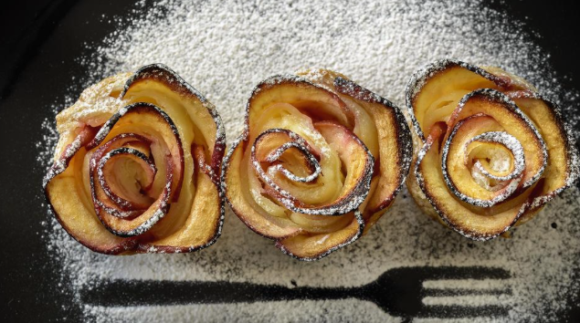 Vegan Baked Apple Pastry Roses